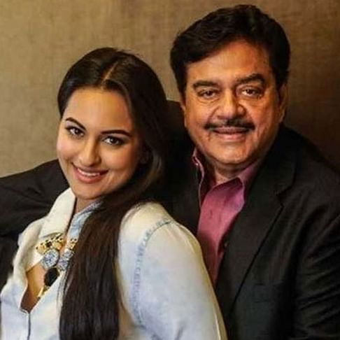 'Not answering a question on 'Ramayana' doesn't disqualify Sonakshi from being a good Hindu': Shatrughan Sinha