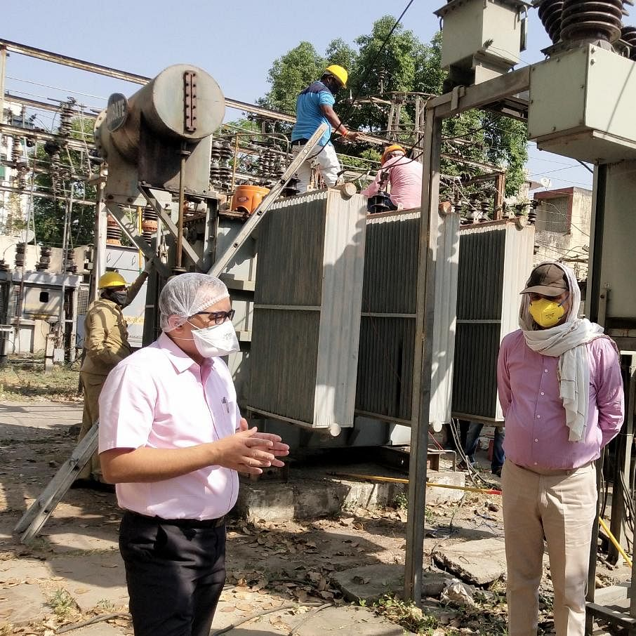 Indore: Discom men on bikes to reach door-steps for collecting power bills