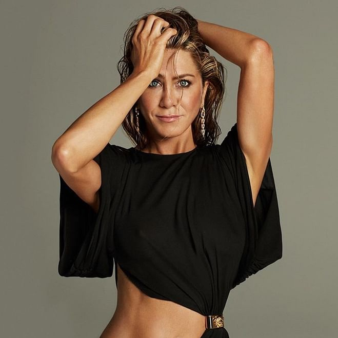 Jennifer Aniston auctions off her 1995 nude portrait to raise COVID-19 funds