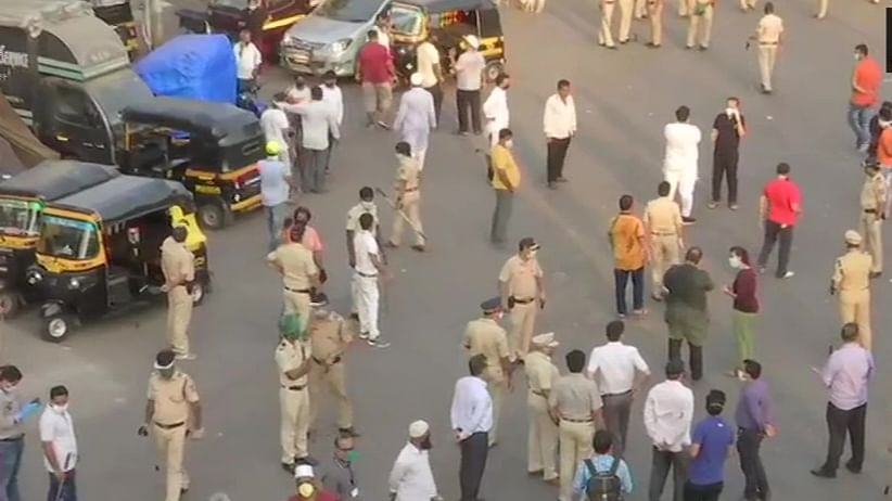 Rumours about special trains and food grains – why a 1000-strong mob gathered in Bandra amid lockdown