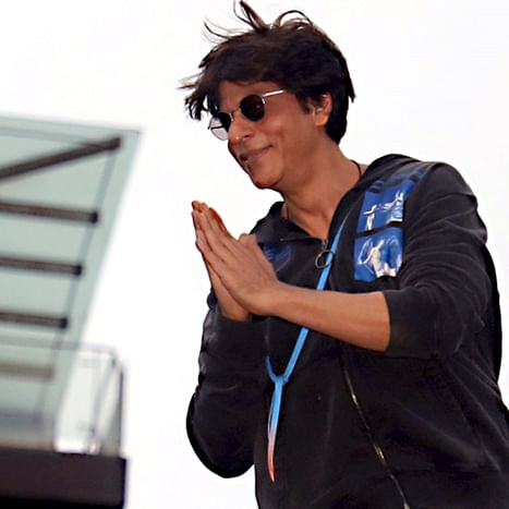 Shah Rukh Khan asks if he is 'affable', fans shower superstar with love and appreciation
