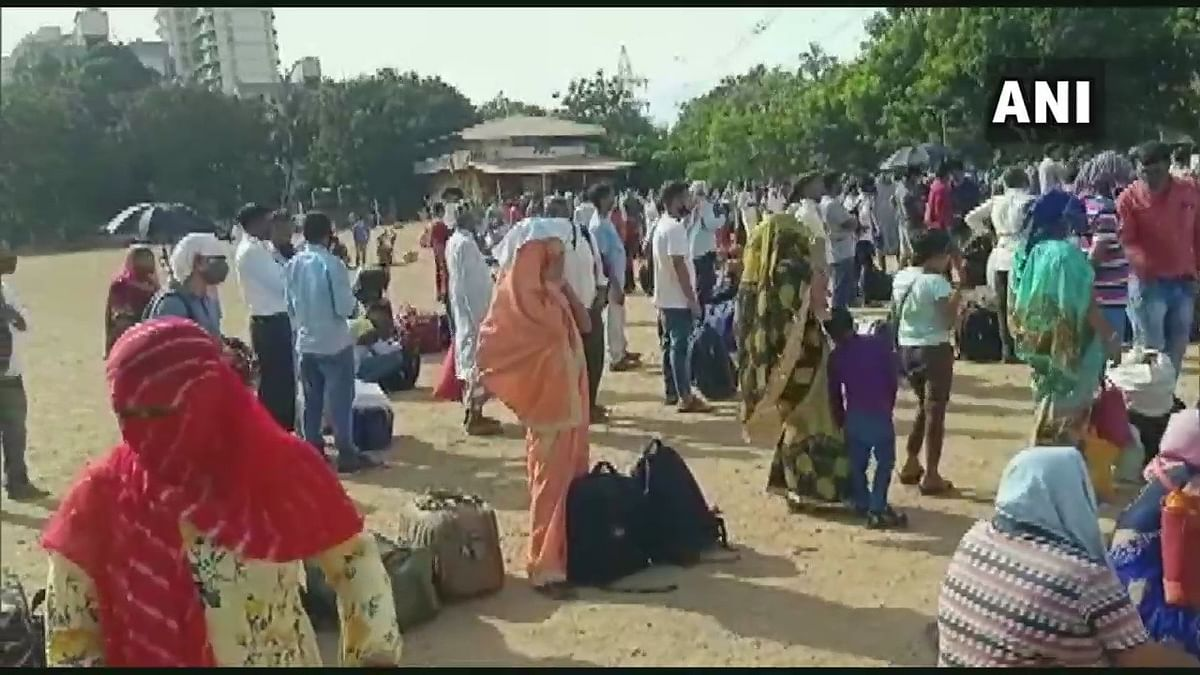Lockdown 4.0 in Mumbai: Migrants gather at Kandivli grounds as two UP-bound trains cancelled