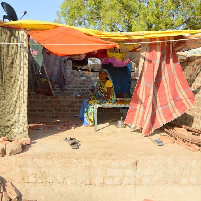 Lockdown 3.0 in MP: PM Awas Yojana beneficiaries living under tarpaulin in Bhikangaon