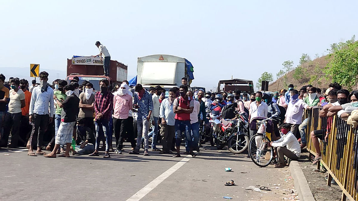 Jharkhand govt sends 15 buses to Chhattisgarh's Raipur to bring back stranded migrant labourers