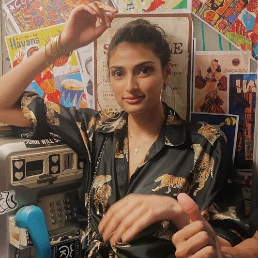 Athiya Shetty crops out rumoured beau KL Rahul from their Thailand vacation pic