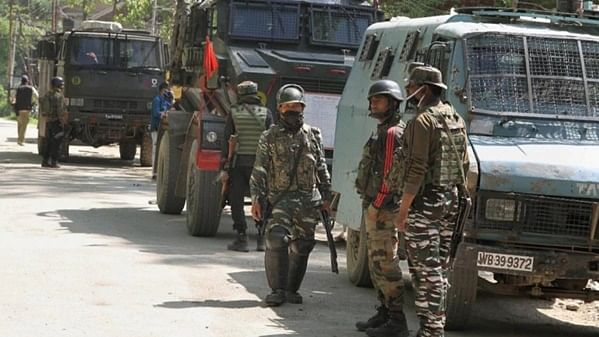 One terrorist killed in an encounter with security forces in Jammu and Kashmir's Shopian