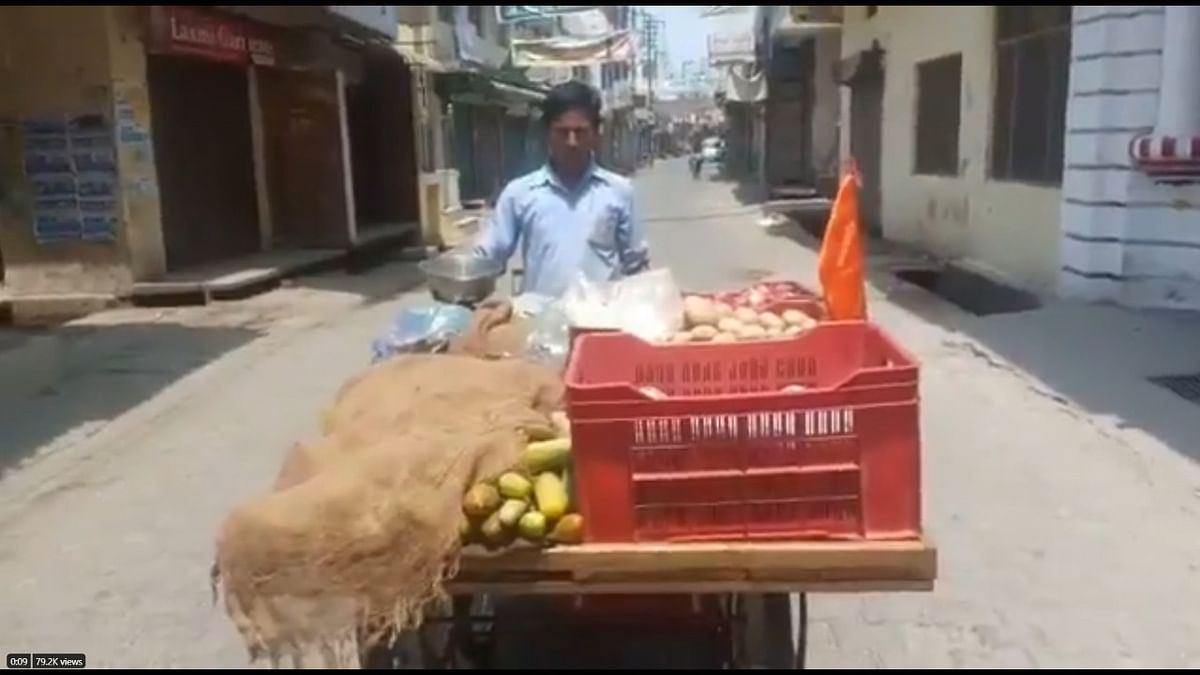 Saffron flag okay? Check out UP Police's response to bhagwa vegetable vendor