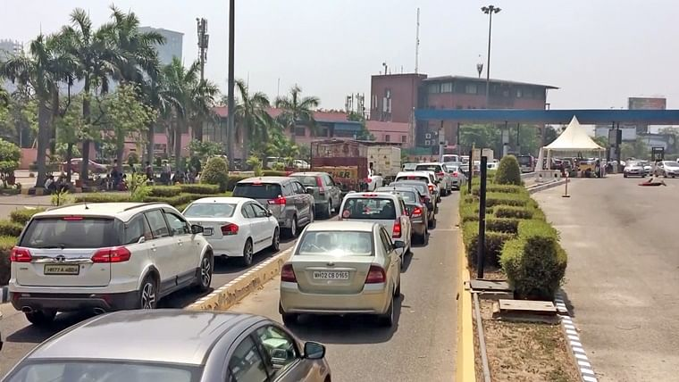 Noida administration says district's border with Delhi will remain sealed for now