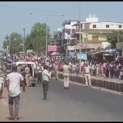 Migrant workers clash with cops in Surat, over 100 detained