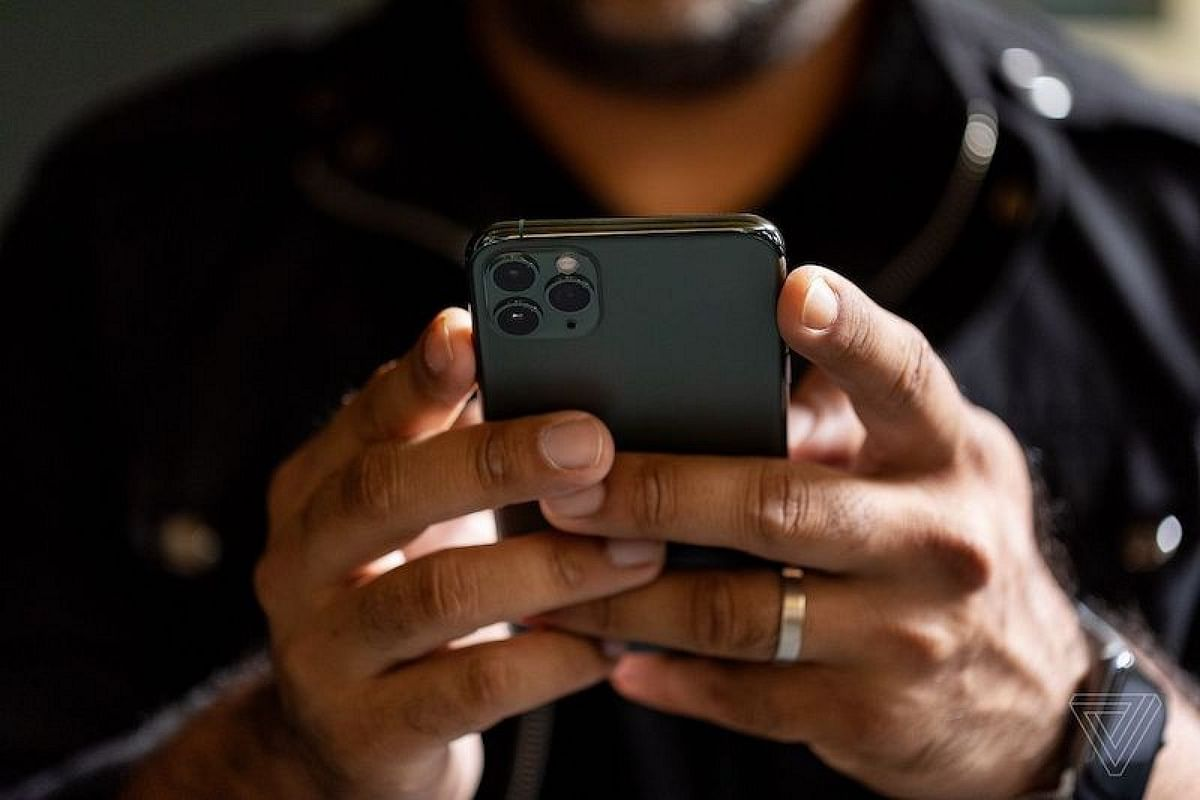 Tech Tonic: iPhone users, soon unlock your cellphone with a mask on