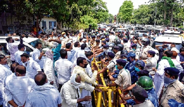 Coronavirus in Bihar: Social distancing violated by police, RJD leaders in the state