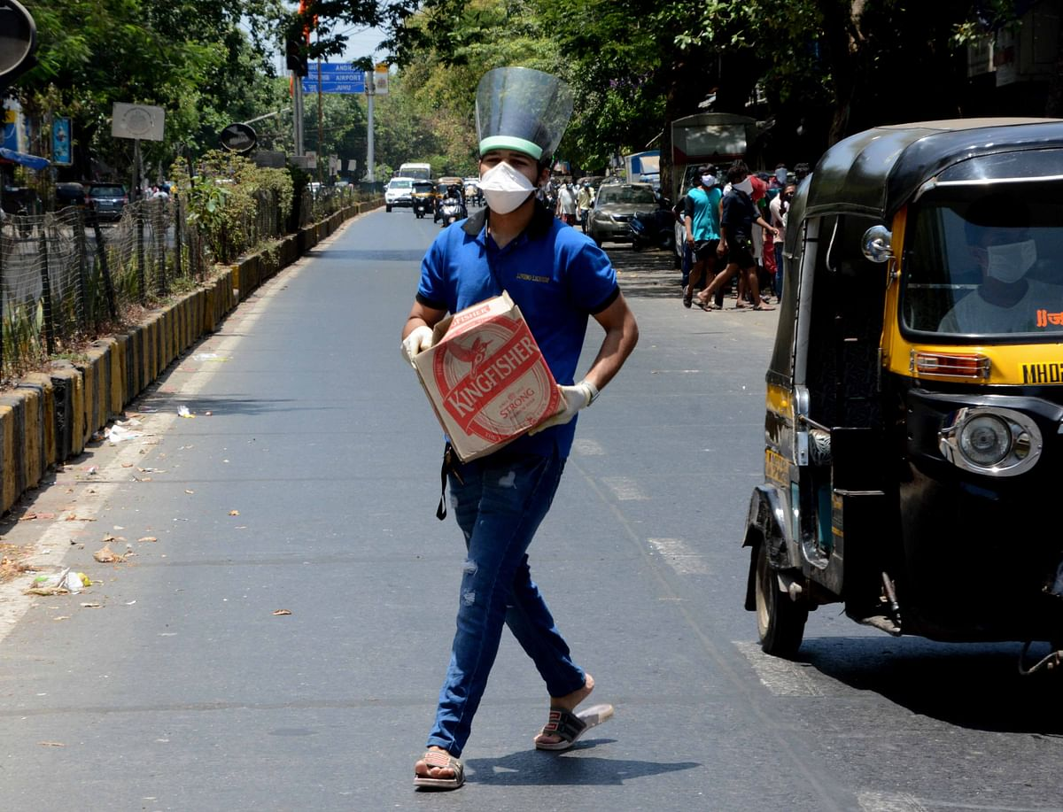 Lockdown 3.0 in Maharashtra: 13.82 lakh litre liquor worth Rs 48.14 crore sold on Thursday