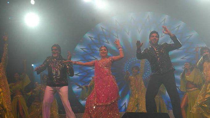 Amitabh Bachchan on 15 years of 'Bunty Aur Babli': 'Was my first film with Abhishek, such fun'