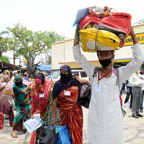 Karnataka govt cancels special trains for migrant labourers after builder lobby meets CM
