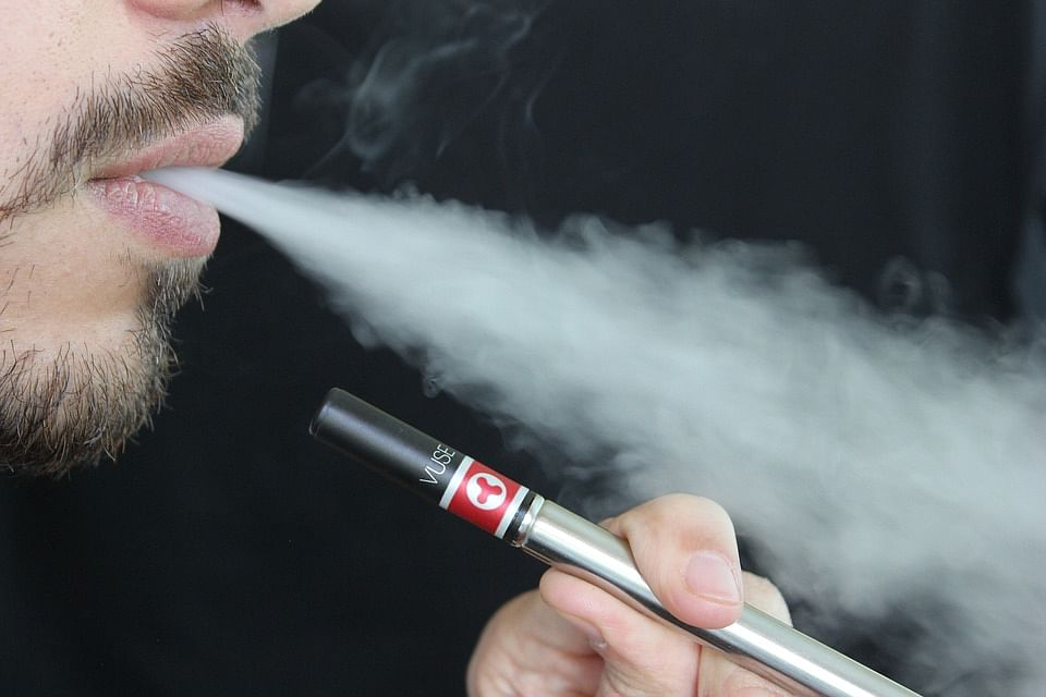 This device tracks e-cigarette habits to help cut daily puffs