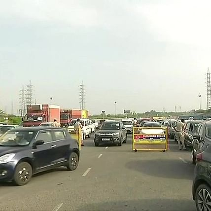 Chaos at Gurugram-Delhi border for second consecutive day; police check passes, IDs of commuters