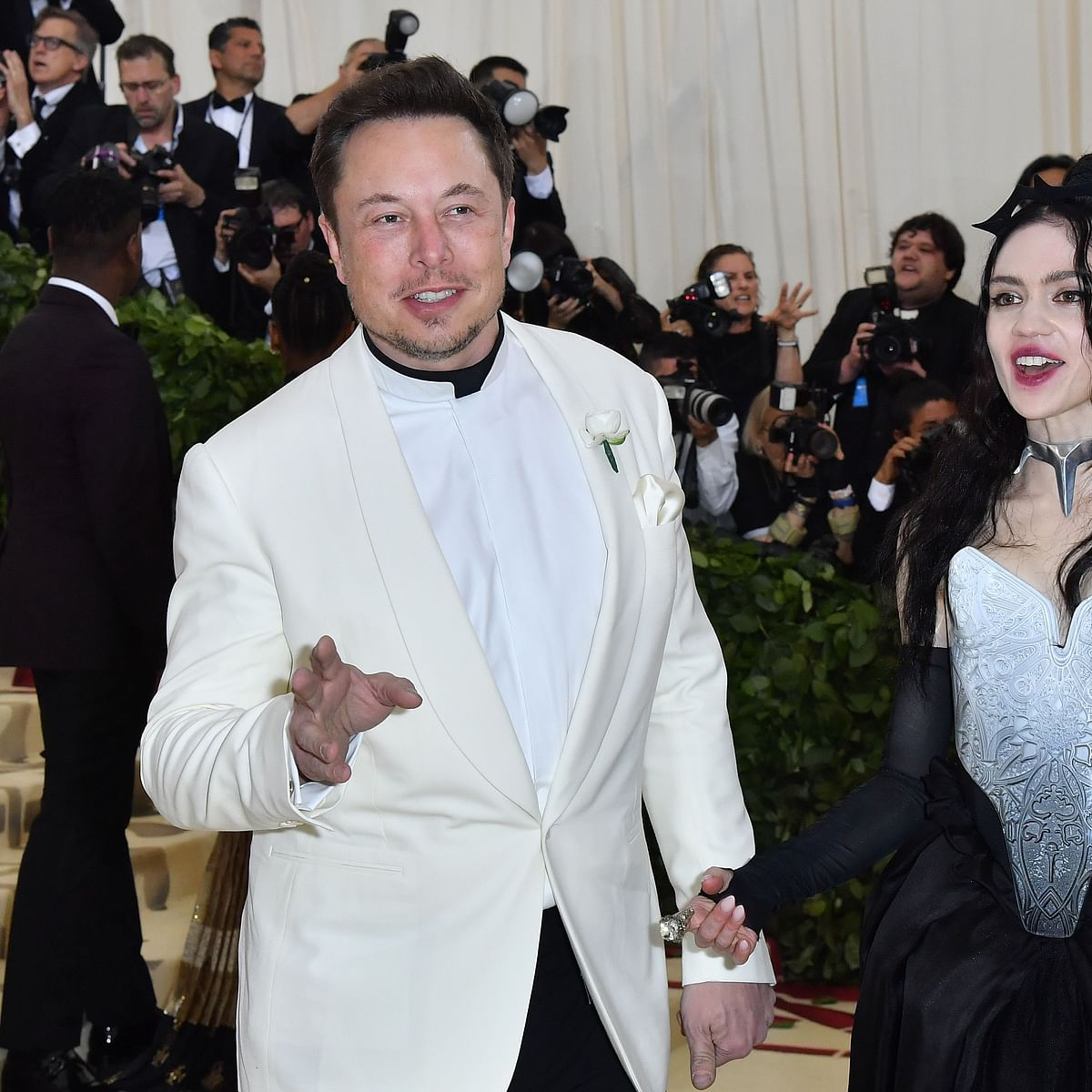 World's richest man Elon Musk's girlfriend Grimes tests positive for COVID-19
