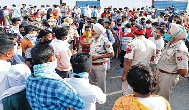 Centre mulls cash handout to workers