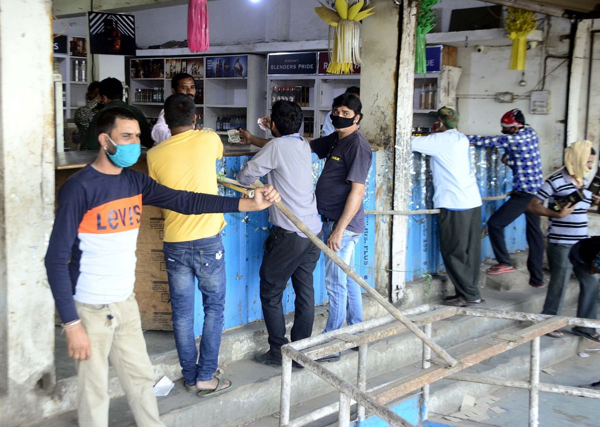 Coronavirus in Pune: Liquor shop sealed for violating social distancing and mask norms in Shivajinagar
