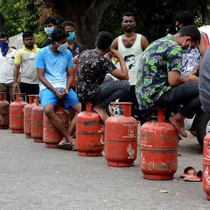 LPG cylinder crosses Rs 800-mark today: Does this mean a BPL household cannot even avail two free LPG a year now?