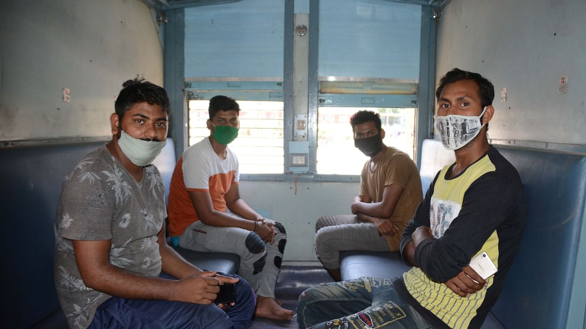 Stranded migrant workers in Karnataka given 'spoilt', 'foul-smelling' rice'