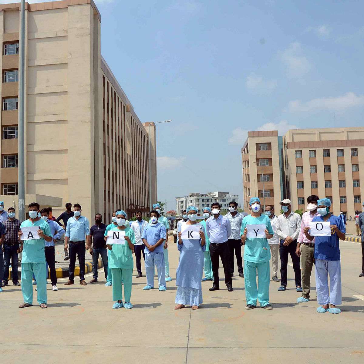 Bhopal: Verbal duel between AIIMS director, politicians affects health care, hampers working