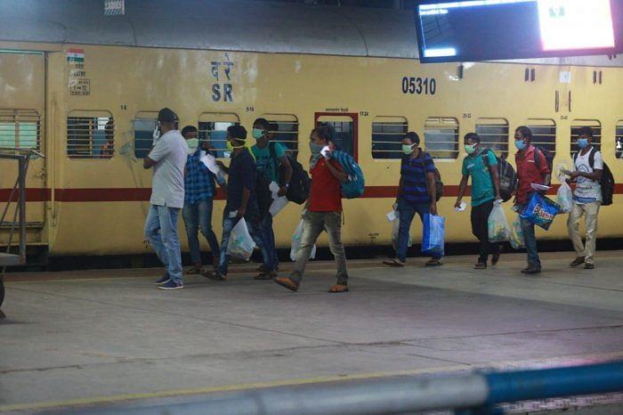 Happy to head home: 1,200 migrants set to board train to Bhubaneswar