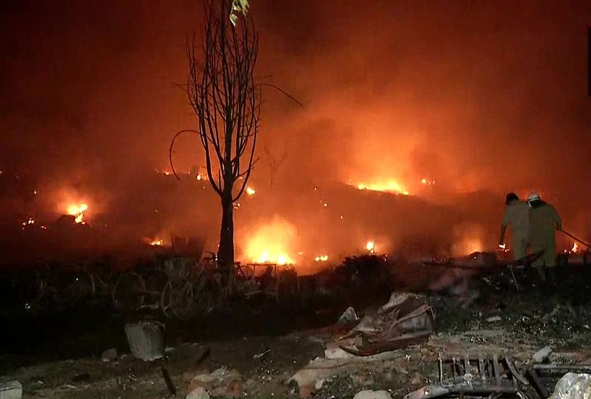 Over 1,000 shanties destroyed after major fire breaks out in slums of Delhi's Tughlakabad