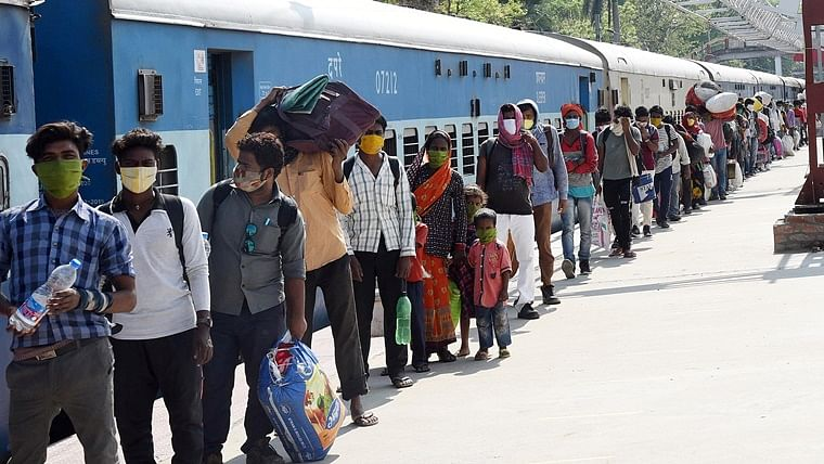 Maharashtra govt demands 41 'Shramik Special' trains for West Bengal, latter raises issues
