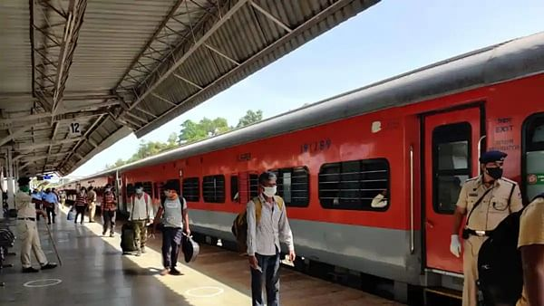 3300 from Jammu and Kashmir evacuated by 4 trains