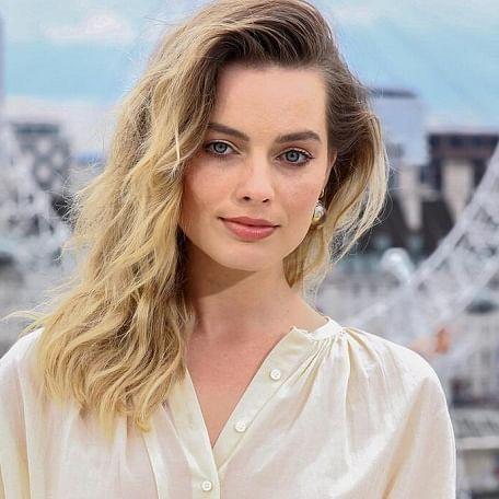 Margot Robbie plans to take banjo lessons amid lockdown