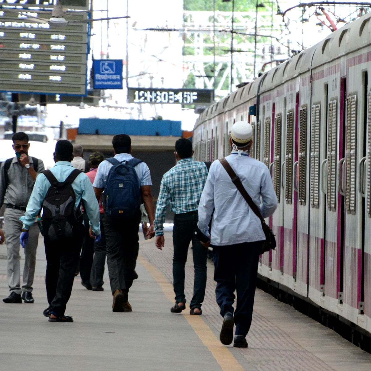 Good news for Mumbaikars! CR, WR to run 610 additional local train services from Nov 1