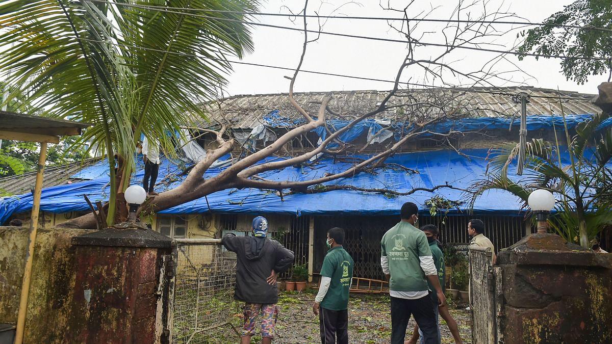 Thackeray, Pawar hold separate meetings to review Cyclone Nisarga damage