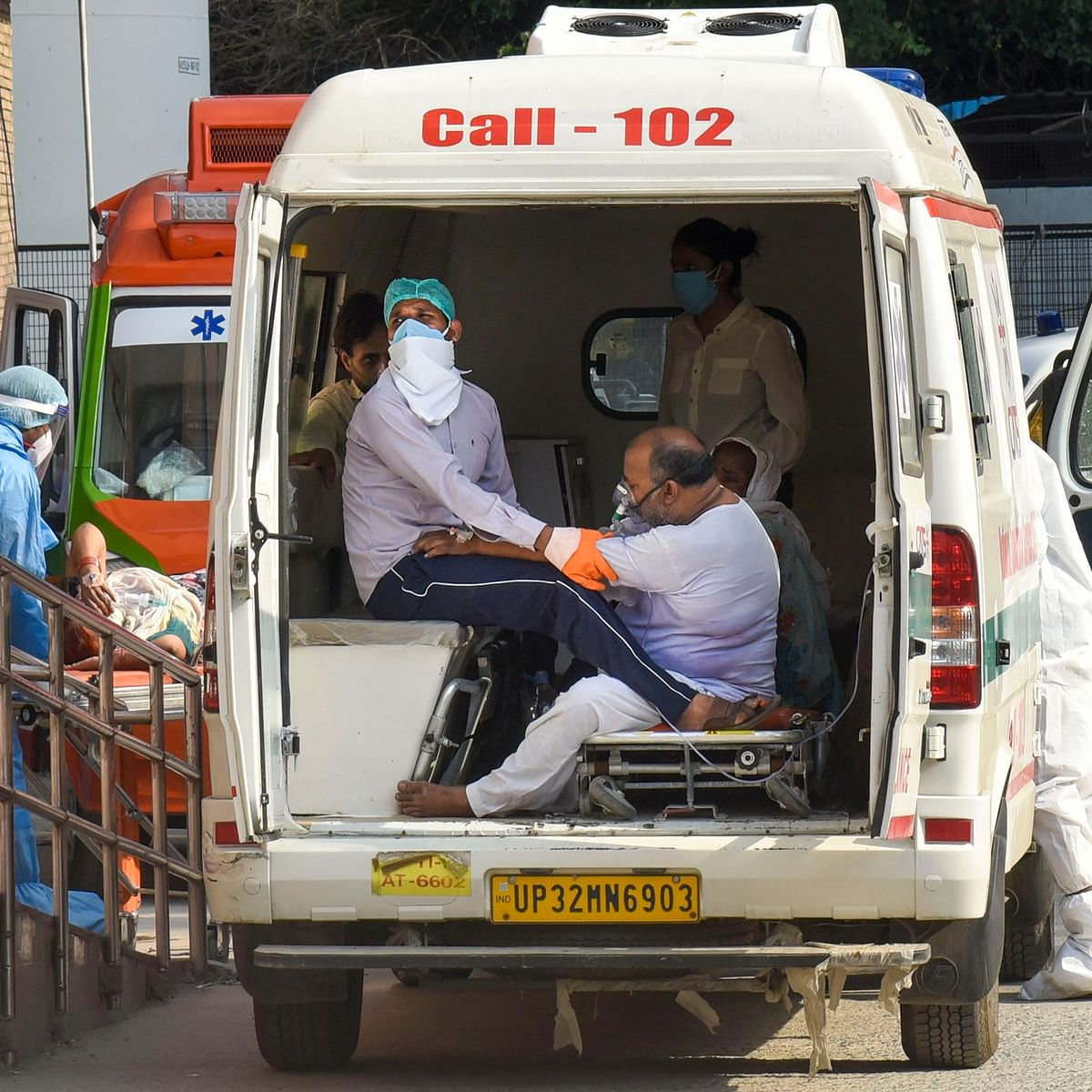 Madhya Pradesh: Ambulance in Khachrod charges Rs 11,000 for 25 km for ailing patient