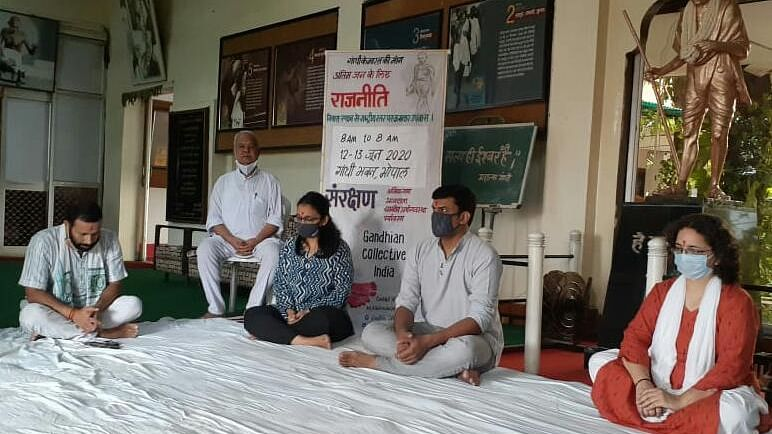 In Bhopal, Gandhians on 24-hour fast to save workers, farmers
