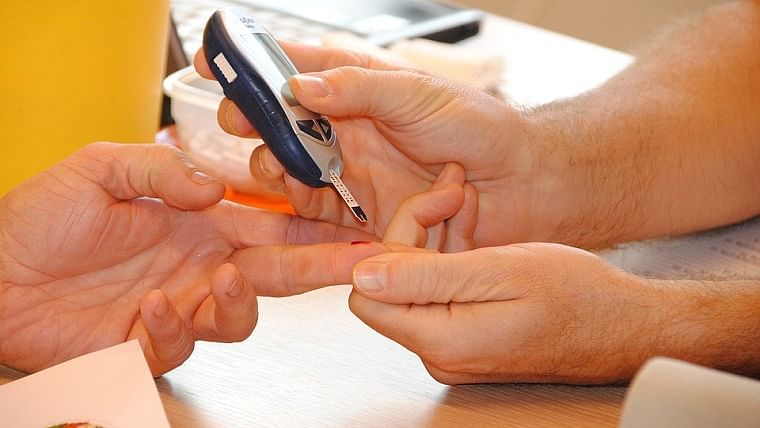 Adult who develop diabetes generally show symptoms at a young age
