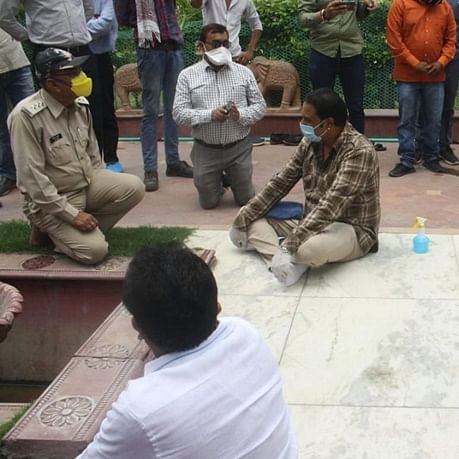 Indore: SDM Rakesh Sharma, who took a knee while talking to Congress protesters, transferred