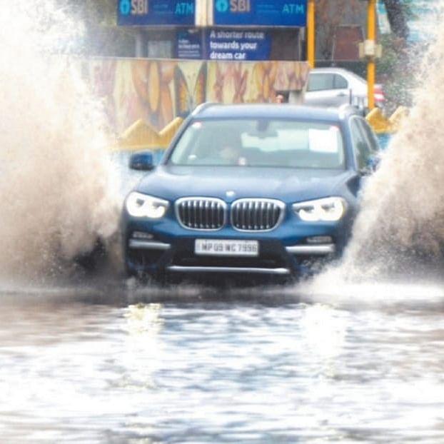 Indore: Weak and diverted Nisarga brings November like a shiver in sizzling June