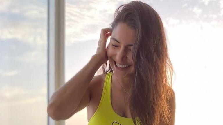 Virat Kohli is all hearts for Anushka Sharma's stunning post-workout pic