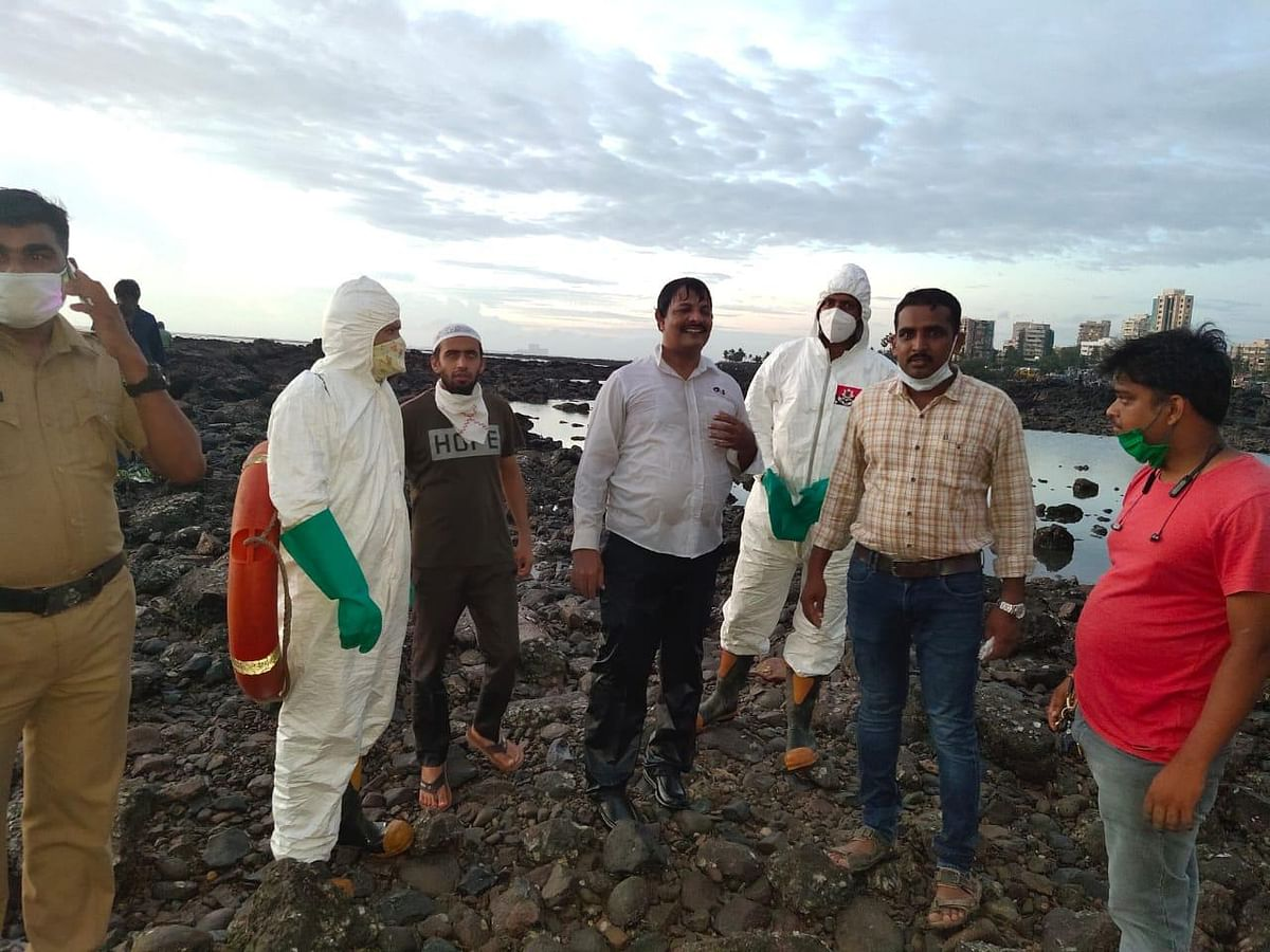 Fire brigade rescues 52-yr-old man stranded at Bandstand