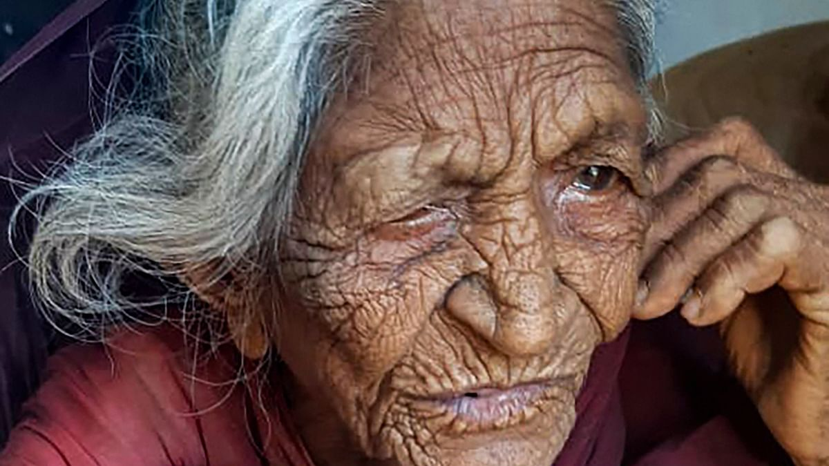 Madhya Pradesh: Kudos to Internet, 94-yr-old woman returns home after forty years