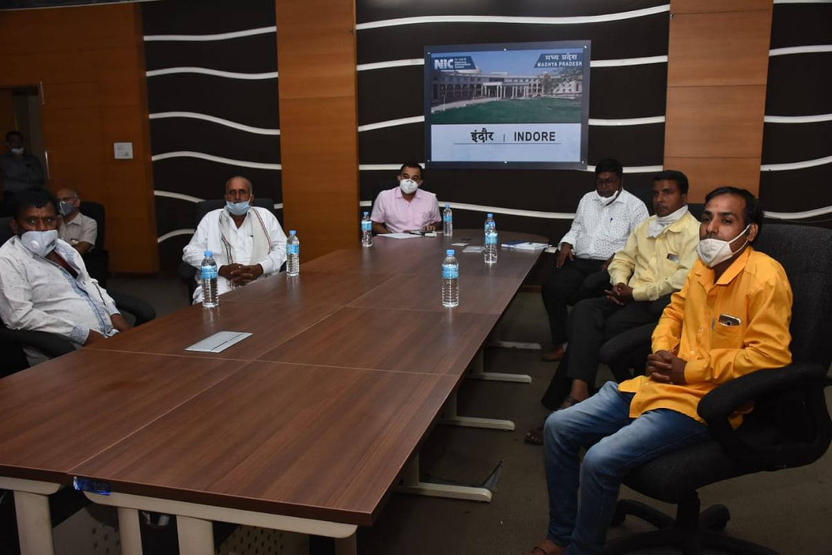 Indore: CM Shivraj Singh Chouhan interacts with power consumers, hails West Discom