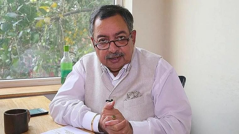 SC to hear plea filed by veteran journalist Vinod Dua on Sunday; seeks protection over FIRs against him