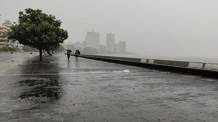 Heavy rain lashes Mumbai, Thane, Navi Mumbai: Updates here