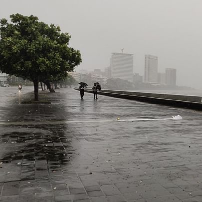 Heavy rain lashes Mumbai, Thane and Navi Mumbai: Updates here