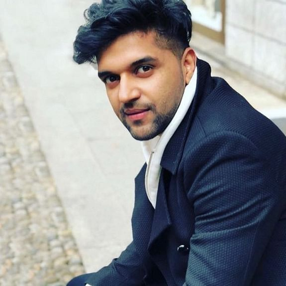 Guru Randhawa confirms first live show post lockdown