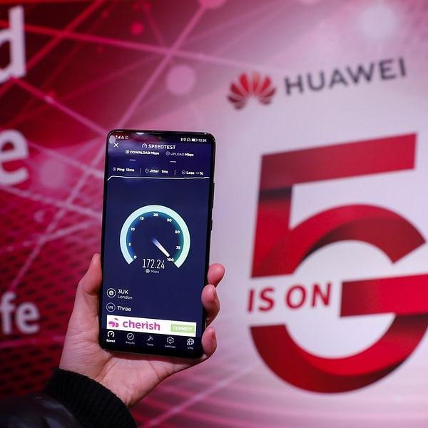 Xinjiang hospital uses 5G technology to improve treatment