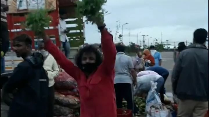 Watch: Need for money amid lockdown makes Marathi actor Roshan Shinge sell vegetables in Pune