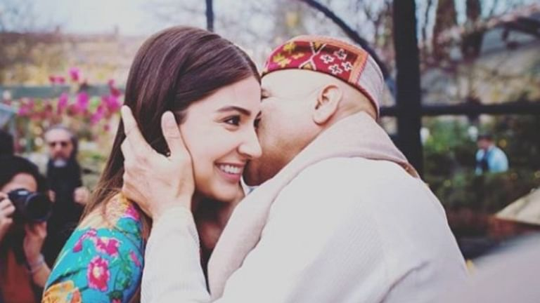 Father's Day 2020: From Amitabh Bachchan to Anushka Sharma, Bollywood celebs with their doting dads