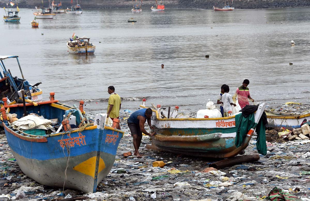 Cyclone Nisarga: Uddhav, Aaditya take a Ro-Ro boat to take stock of situation in Alibaug, Raigad